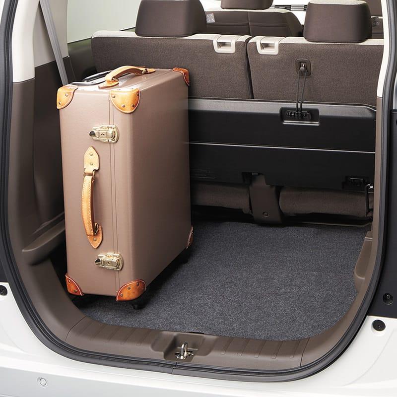 床が低いと、重い荷物も載せやすい。